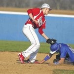 Bulldogs win with fast start, pitching