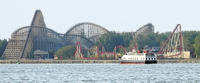 The Goodtime I Boat Pes Maverick And Mean Streak Roller Coasters In 2009 While Coasting