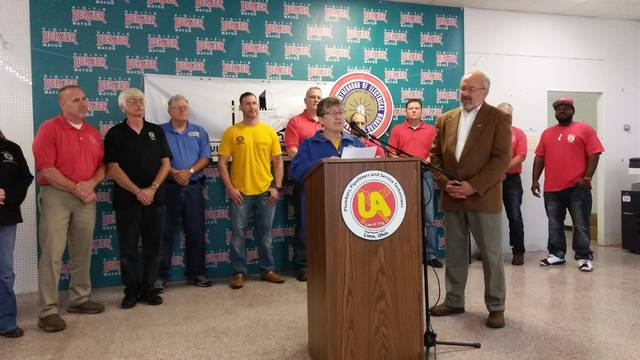 Craig Kelly | The Lima News United Food and Commercial Workers Local 75 member Cherie Lyn announced her union's support for Lima Mayor David Berger's re-election Wednesday.