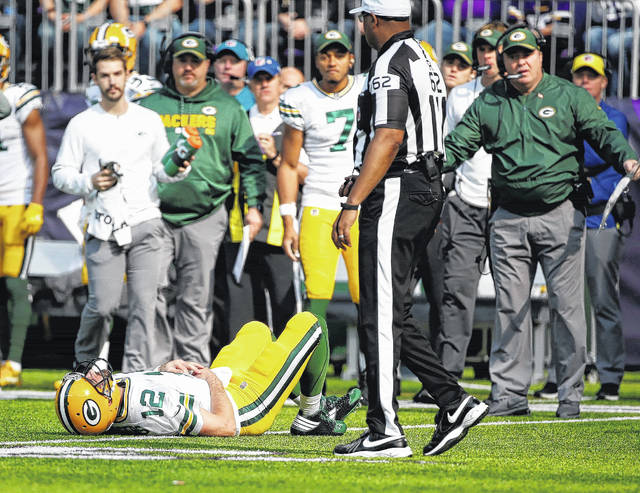 Vikings dismantle Packers, Rodgers out