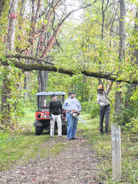 Volunteers from the St. Marys Kiwanis Club, Buckeye Trail Association, Ohio State Parks, Heritage Trails Park District and others completed trail checks and maintenace in October on the Miami & Erie Canal towpath.