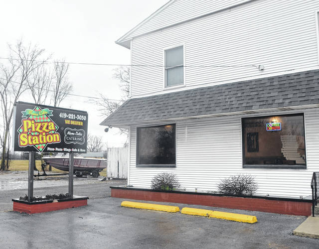 Mama Cella's Pizza Station located on 1300 Breese Road.