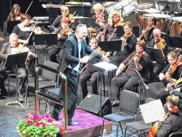 Crafton Beck conducts at a past Lima Symphony Orchestra concert.