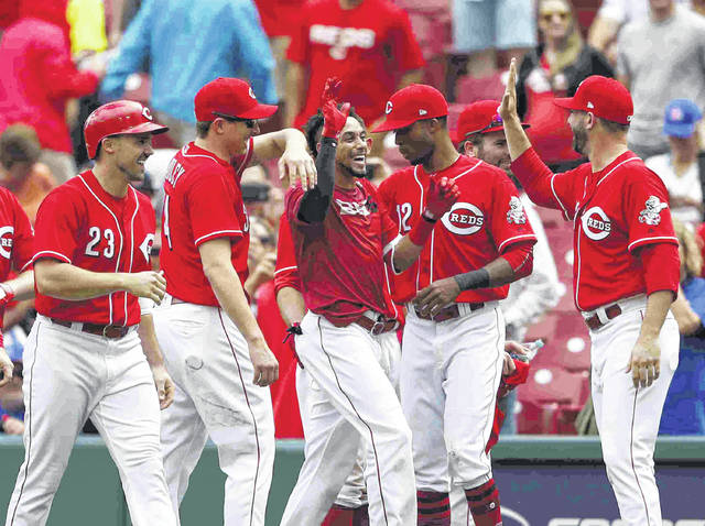 Hamilton's walk-off walk gives Reds 5-4 win over Cubs