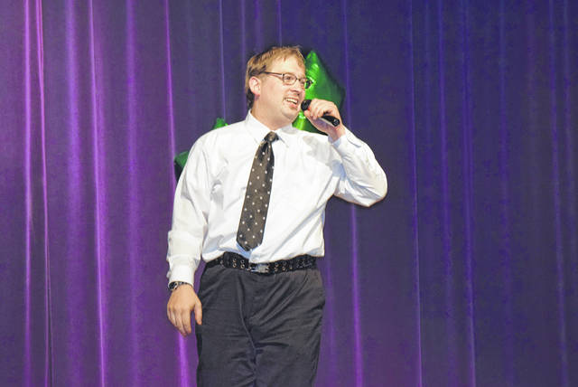 """Richard Tillman belts out """"Don't Take the Girl"""" at this year's Marimor Idol Competition at Allen East High School."""