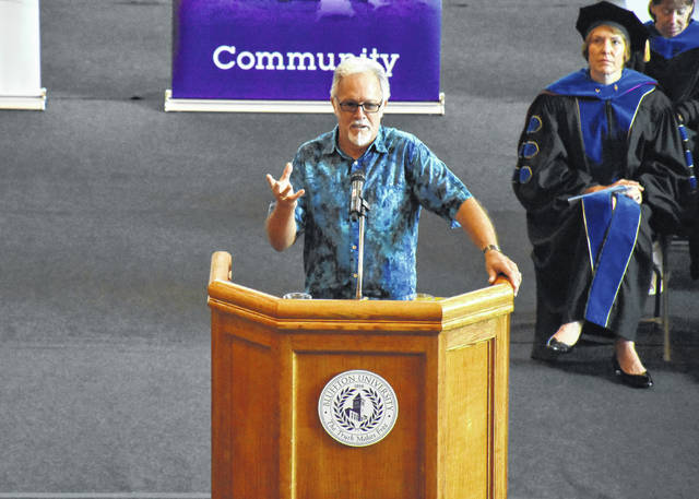 Jonas Beiler, author and counselor, speaks to first-year Bluffton University students recently.