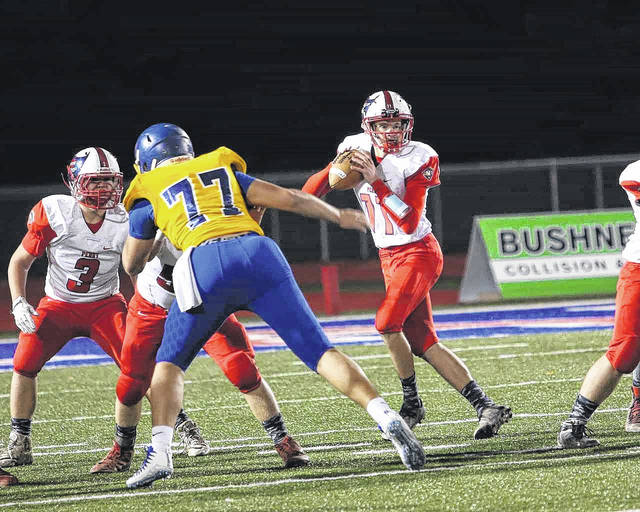 Perry's Louis Hoersten will be back behind center for the Commodres this year.