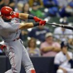 Brewers still struggling to score, fall to Reds 3-1