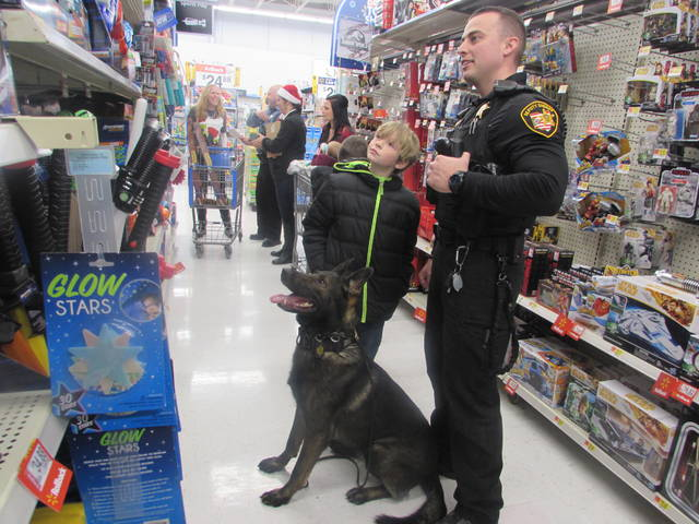 Putnam County hosts Shop With Cop - The Lima News
